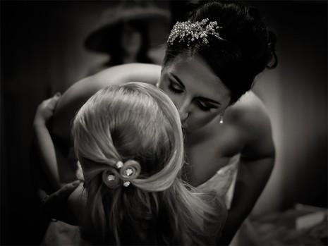 Nhiếp ảnh gia 9 tuổi nổi tiếng nhờ chụp ảnh cưới - ảnh 6