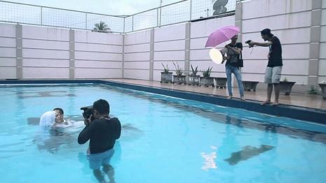 Chùm ảnh minh chứng chụp ảnh cưới là nghề khổ nhất năm - ảnh 18