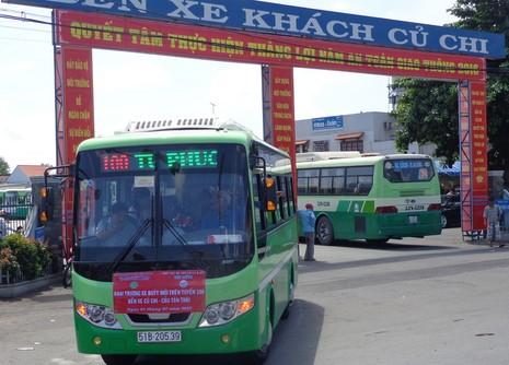 Mỗi ngày có 124 chuyến xe buýt loại mới đi về giữa bến xe Củ Chi và xã  Thái Mỹ anh hùng.