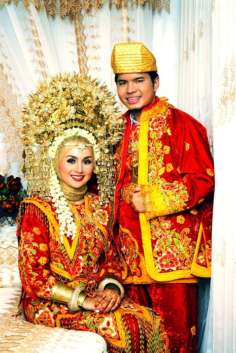 Những trang phục cưới truyền thống kỳ lạ trên thế giới - ảnh 1