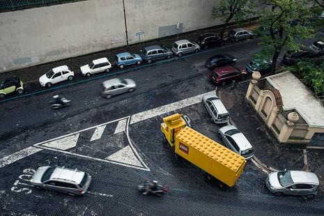 Khi mô hình LEGO tấn công thành phố - ảnh 9
