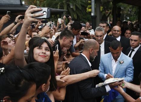 Đám cưới linh đình của ngôi sao Carlos Tevez - ảnh 6