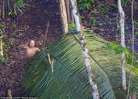 Phát hiện bộ lạc bí ẩn trong rừng Amazon - ảnh 3