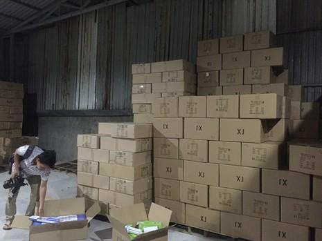 Phát hiện kho chứa đèn LED nhập lậu từ Trung Quốc - ảnh 4