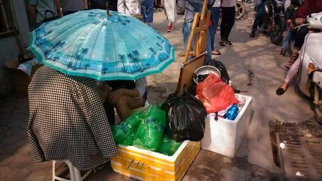 """Hội chợ container """"khủng"""" tại Hà Nội bị giải tán - ảnh 10"""