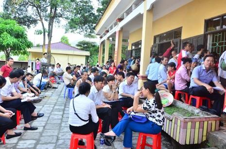 Chủ tịch Nguyễn Đức Chung đối thoại với người dân bãi rác Nam Sơn - ảnh 4