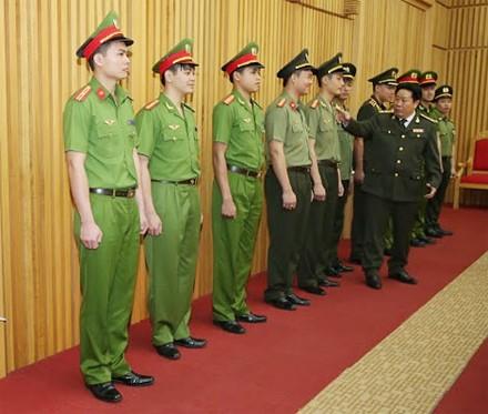 Trang phục mới của lực lượng công an nhân dân có điểm gì khác? - ảnh 3