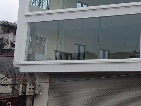 Độc nhất vô nhị ở Hà Nội: Căn nhà 'nuốt' gọn cây cột điện - ảnh 6