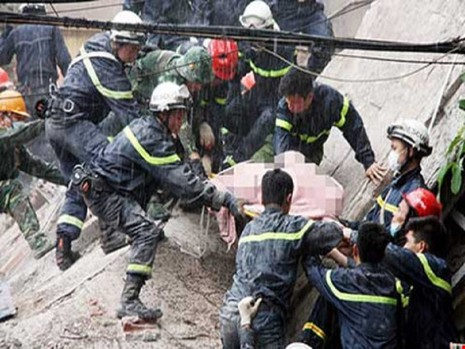Khởi tố vụ sập nhà 4 tầng khiến 2 người tử vong tại Hà Nội - ảnh 1