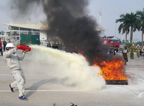 Những màn dập lửa mãn nhãn của Cảnh sát PCCC Hà Nội - ảnh 4