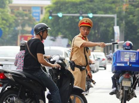 CSGT chỉ huy, điều khiển giao thông sẽ được trưng dụng phương tiện giao thông, phương tiện thông tin,...