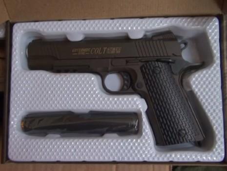 Phát hiện lượng lớn súng ngắn giả có sức sát thương cao - ảnh 3