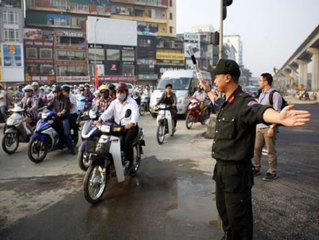 Hà Nội tăng cường 200 cảnh sát cơ động dịp tết - ảnh 1