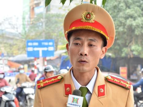 """Cảnh sát tung quân xử lý """"cò"""" ở chùa Hương - ảnh 2"""