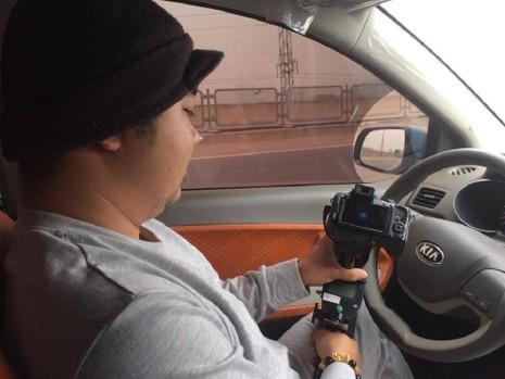 Cảnh sát xử lý xe 'rùa bò', tài xế mật báo cho nhau - ảnh 2