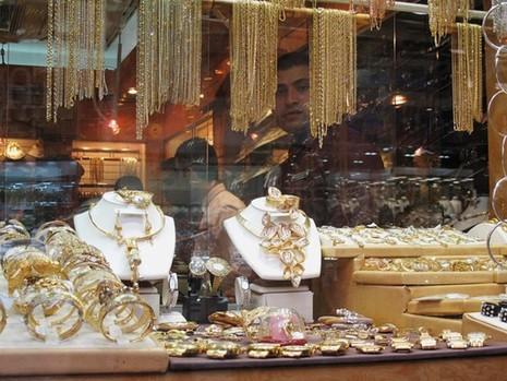 Cận cảnh khu chợ bán vàng trang sức theo kg - ảnh 3