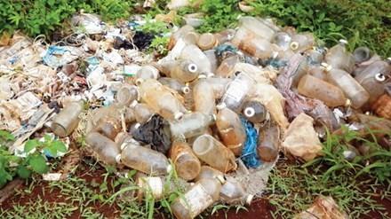 Việc đốt rác thải y tế là một trong những nguồn phát thải dioxin. Ảnh: Gia Lai online.