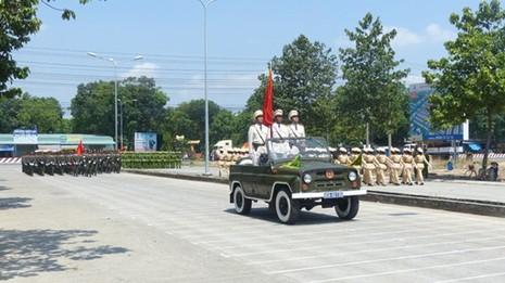 Hàng nghìn cảnh sát luyện tập cho Lễ diễu binh ngày 30/4 - ảnh 3