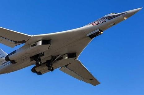 'Đột nhập' căn cứ của dàn máy bay ném bom khổng lồ Nga - ảnh 12