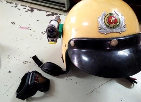 TP HCM: Cảnh sát giao thông được trang bị 'mắt thần' khi làm nhiệm vụ - ảnh 2