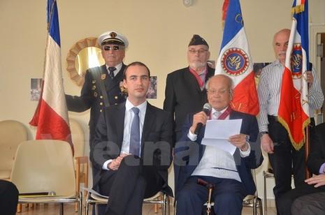 """""""Lính thợ"""" Việt Nam tại Pháp được trao Huân chương Công trạng - ảnh 1"""