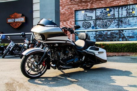 Cận cảnh Harley-Davidson Road Glide Special duy nhất tại Việt Nam - ảnh 4