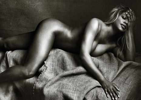 """""""Biểu tượng chuyển giới"""" chụp nude khẳng định chuẩn mực của cái đẹp - ảnh 1"""