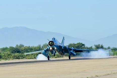 Hình ảnh bay huấn luyện Su-22 tại Trung đoàn không quân 937 - ảnh 13