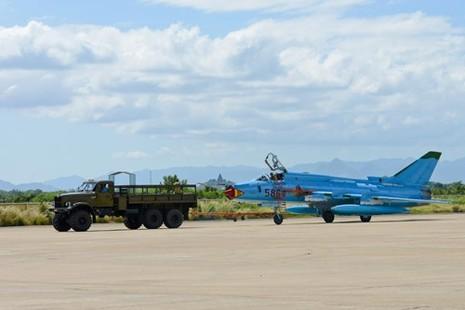 Hình ảnh bay huấn luyện Su-22 tại Trung đoàn không quân 937 - ảnh 22