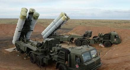 Nga bất ngờ đưa 'rồng lửa' S-400 tới Viễn Đông - ảnh 1