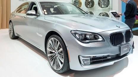 Dòng xe BMW series 7 mới sẽ có thể tự động đỗ xe - ảnh 1