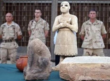 Hé lộ nguồn thu khổng lồ của IS từ 'đồ cổ nhuốm máu' - ảnh 4