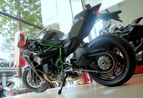 Cận cảnh siêu môtô Ninja H2 đầu tiên về Việt Nam - ảnh 15