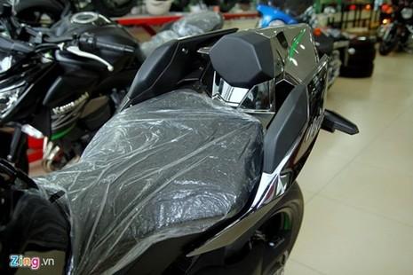 Cận cảnh siêu môtô Ninja H2 đầu tiên về Việt Nam - ảnh 7