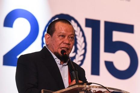 """Tân chủ tịch La Nyalla vô hiệu """"ngòi nổ"""" cho bóng đá Indonesia - ảnh 1"""