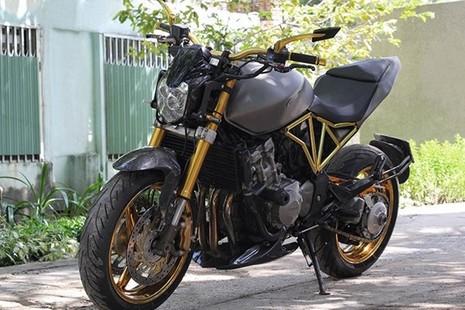 Tận thấy Honda Hornet 600 mạ vàng 24k ở Việt Nam - ảnh 15