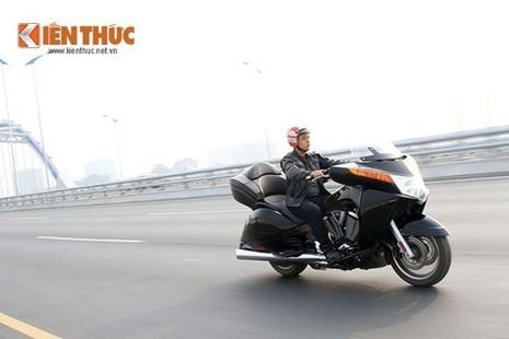 Tận thấy môtô siêu độc Victory Vision Tour 2014 ở Việt Nam - ảnh 13