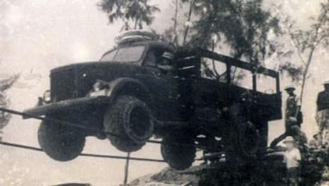 Thực hư chuyện lái xe trên dây vượt Trường Sơn trong chiến tranh chống Mỹ