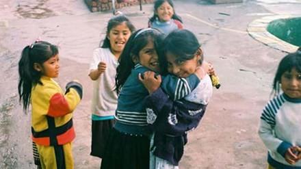 Trẻ em bên trong San Pedro.