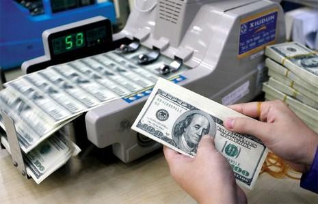 """Giá vàng, giá USD hôm nay 14/5 cùng """"sốt sình sịch"""" - ảnh 1"""