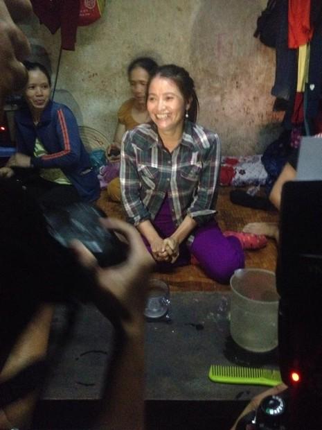 Hình ảnh xóm lao động nghèo vui mừng cho chị tỷ phú ve chai - ảnh 7