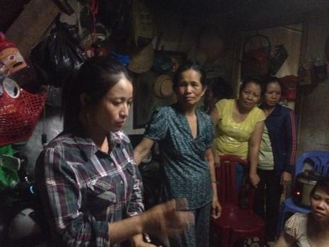 Hình ảnh xóm lao động nghèo vui mừng cho chị tỷ phú ve chai - ảnh 8