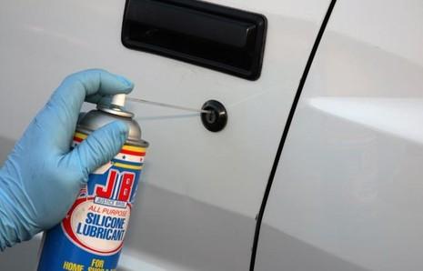 Các chi tiết nhỏ thường bị lãng quên khi bảo dưỡng xe ô tô  - ảnh 4