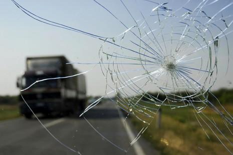 Những điều cần biết về kính chắn gió ô tô - ảnh 1