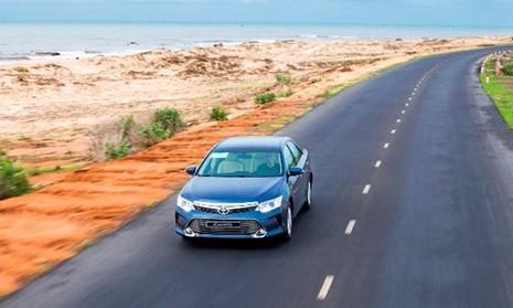 [ĐÁNH GIÁ] Toyota Camry 2.0E: Vua thực dụng - ảnh 8