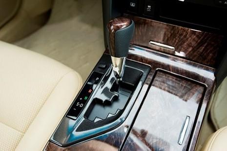 [ĐÁNH GIÁ] Toyota Camry 2.0E: Vua thực dụng - ảnh 14