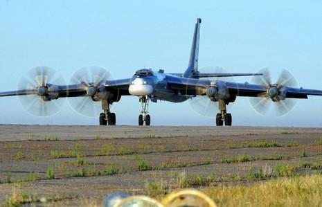 Máy bay ném bom của Nga rơi do 3 động cơ ngừng hoạt động - ảnh 1