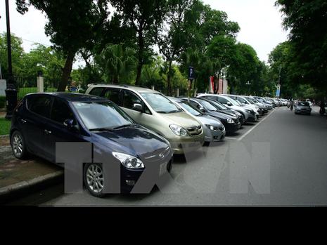 """Sẽ áp thuế tiêu thụ """"đặc biệt cao"""" với một số dòng ôtô đến 9 chỗ  - ảnh 1"""