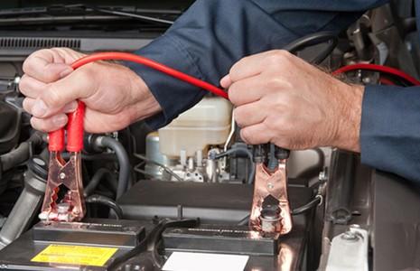 Kinh nghiệm khắc phục ô tô bị hết điện ắc quy - ảnh 2