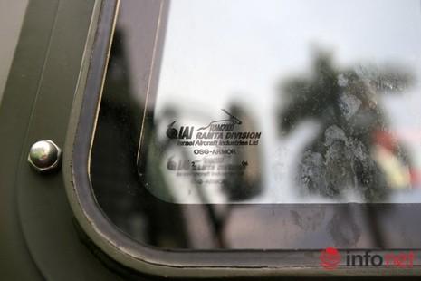 Cận cảnh xe chống đạn RAM-MKIII của lực lượng an ninh Việt Nam - ảnh 7